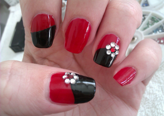 25 simple nail art designs for beginners lifestylica red black nail art prinsesfo Gallery