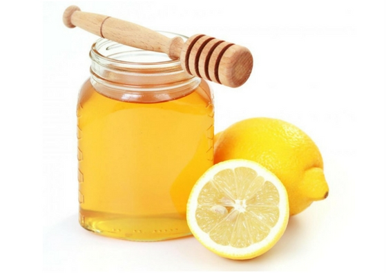beauty-benefits-of-lemon-for-face-honey-face-pack