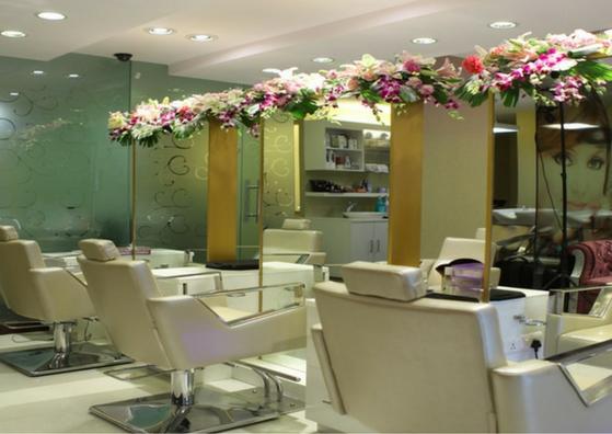 Meenakshi Dutt Salon