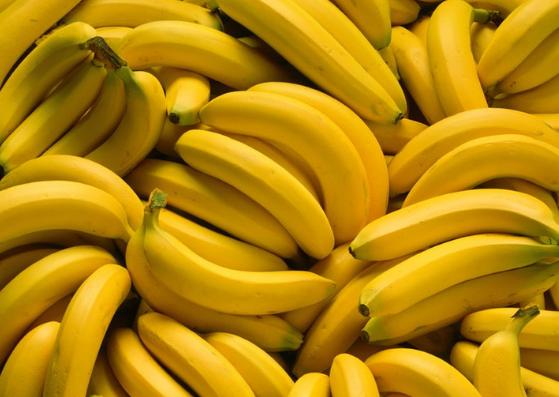 banana-benefits-for-skin-lifestylica (1)