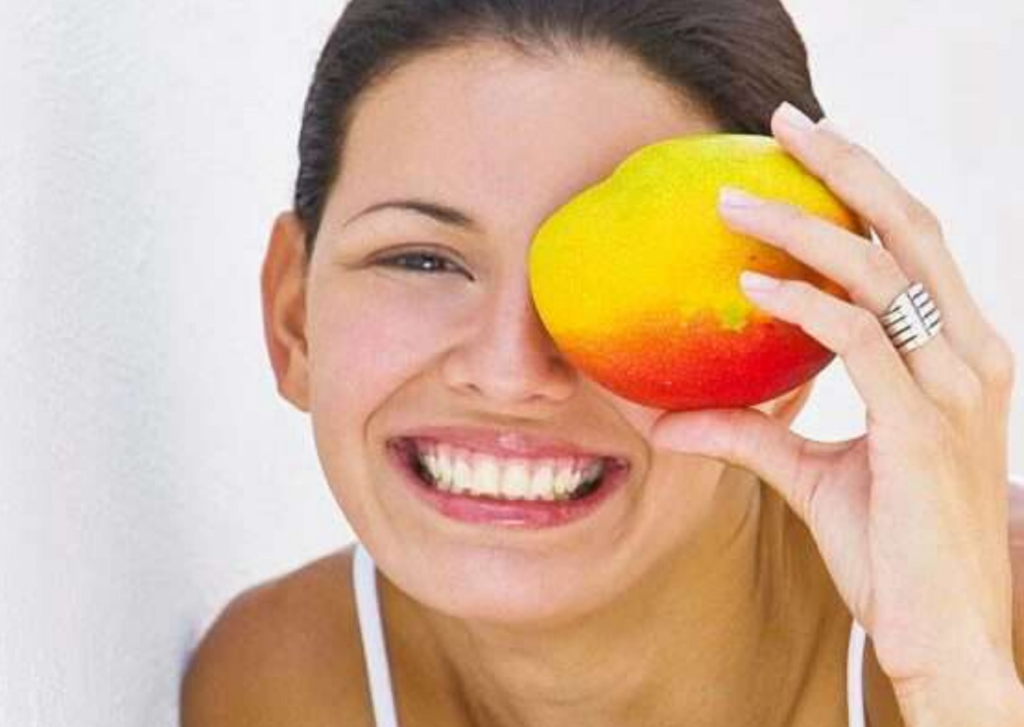 mango-honey-fruit-mask-lifestylica